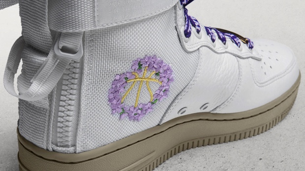 NIKE SPECIAL FIELD AIR FORCE 1 MID LA