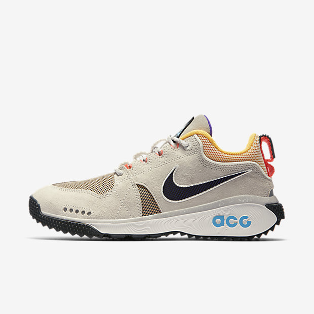 NIKE-ACG-DOG-MOUNTAIN AQ0916-100