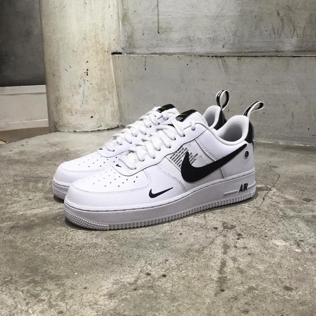 designer fashion 4cc51 415fa ... 発売 NIKE AIR FORCE 1  07 LV8 UTILITY  BLACK   WHITE . 2018年9月20日.  スポンサーリンク. AJ7747-100