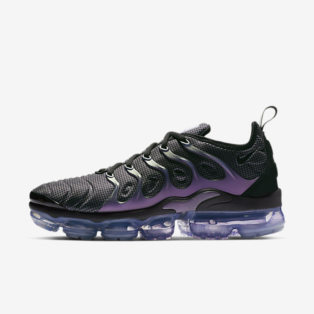 NIKE-AIR-VAPORMAX-PLUS 924453-014