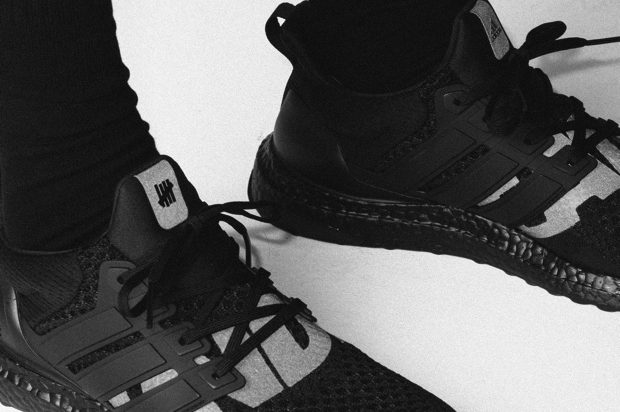 UNDEFEATED x ADIDAS ULTRABOOST BLACKOUT
