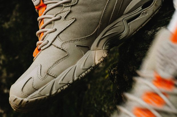 BEAMS x MIZUNO WAVE RIDER 10